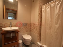 BUYMEPROPERTY-apartment-T2-sale-Quarteira-Fortenovo-bathroom%17/22