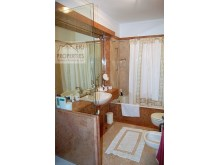 Bathroom Suite 3%33/34