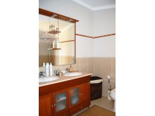 Bathroom Suite 4%34/37