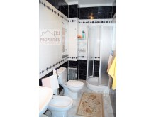 En Suite Bathroom%20/25