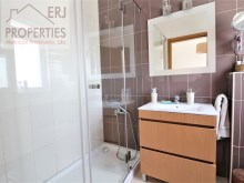 En Suite Bathroom %16/25