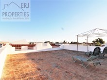 Roof Terrace%1/24