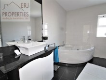 En Suite Bathroom %30/36