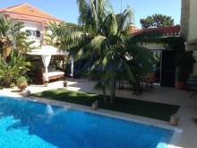 4 Bedroom Villa in Estoril -Private Pool%3/10
