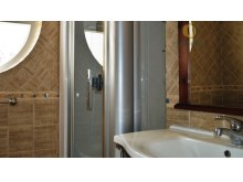 Master Double En-suite Shower Room.JPG%19/25
