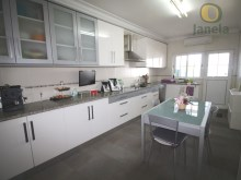 Villa near the beach and the airport-Kitchen%3/21