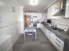 Villa near the beach and the airport-Kitchen%10/21