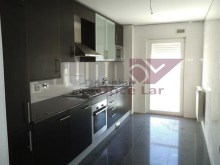 Apartment › Almada | 4 Bedrooms | 2WC