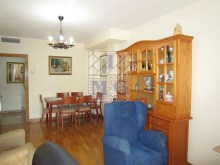 Villa with swimming pool%20/45