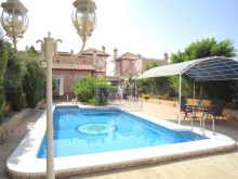 Villa with swimming pool%6/45