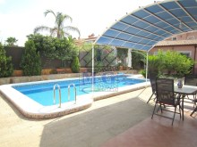 Villa with swimming pool%8/45