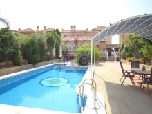 Villa with swimming pool%7/45