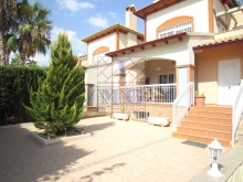 Villa with swimming pool%42/45