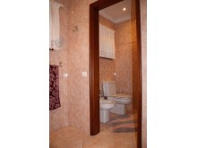 suite's bathroom 1b%16/38
