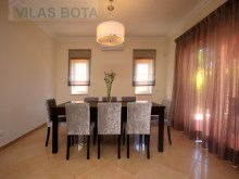 Modern townhouse-T5-with-pool-Algarve-dining room%12/20