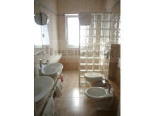 En-suite 1 bathroom%37/65