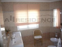 En-suite 2 bathroom%43/65