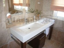 En-suite 2 bathroom%45/65