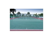 Tennis courts%25/25