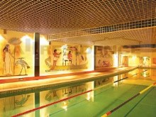 Indoor swimming pool%18/21