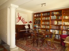 Library area  5 bedroom villa with swimming pool in Cascais%3/10