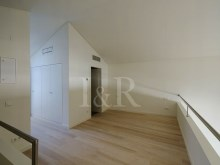 EXCELLENT LOFT IN PRIVATE CONDOMINIUM IN THE HISTORIC CENTER OF LISBON%4/4