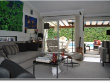 Living room and exterior Excellent 5 bedroom villa in Bicuda, Cascais%8/10