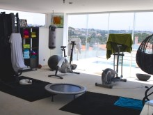 gym  7 bedroom villa in Ericeira with garden and swimmingpool%11/17