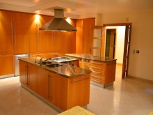 kitchen  duplex apartment with sea view in Ericeira%7/9