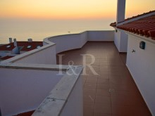 side balcony  duplex apartment with sea view in Ericeira%1/9