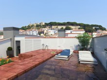 2 BEDROOM DUPLEX APARTMENT WITH POOL ON THE ROOFTOP IN CHIADO, LISBON%2/7