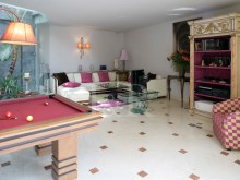 7 BEDROOM VILLA WITH COVERED POOL IN ALVALADE, LISBON%8/9