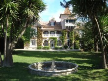 PALACE BETWEEN LISBON AND ESTORIL WITH RIVER VIEW %1/8