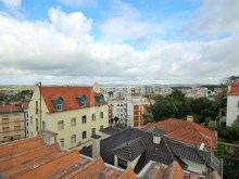 BUILDING OF 4 FLOORS WELL LOCATED IN SINTRA, LISBON, FOR SALE%9/9
