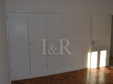RENOVATED 7 BEDROOM VILLA IN THE PRIME AREA OF CASCAIS%6/7