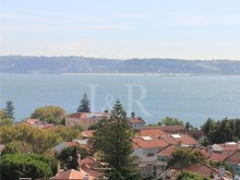 4 BEDROOM PENTHOUSE IN OEIRAS, LISBON WITH SEA VIEW FOR SALE%1/10