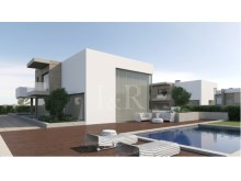 4 BEDROOM VILLA IN CASCAIS WITH POOL%1/10