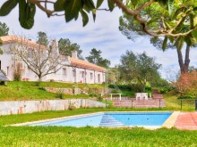 7 BEDROOM HOUSE WITH VINEYARD IN THE NATURAL PARK OF ARRÁBIDA, NEAR THE SEA%3/12