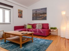 CHARMING 1 BEDROOM DUPLEX APARTMENT IN SÃO BENTO, LISBON%1/8