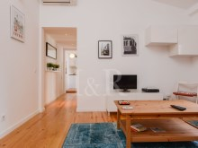 CHARMING 1 BEDROOM DUPLEX APARTMENT IN SÃO BENTO, LISBON%2/8