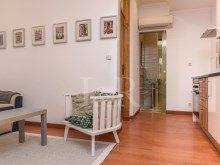 1 BEDROOM APARTMENT TOTALLY REFURBISHED IN GRAÇA, LISBON%1/10