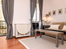 1 BEDROOM APARTMENT TOTALLY REFURBISHED IN GRAÇA, LISBON%2/10