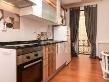 1 BEDROOM APARTMENT TOTALLY REFURBISHED IN GRAÇA, LISBON%4/10