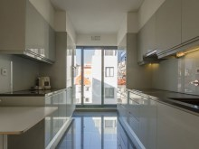 3 BEDROOM APARTMENT IN GATED COMMUNITY IN THE HISTORIC CENTRE OF LISBON%9/12