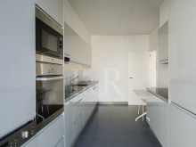 3 BEDROOM APARTMENT IN GATED COMMUNITY IN THE HISTORIC CENTRE OF LISBON%10/12