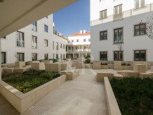 2 BEDROOM APARTMENT IN GATED COMMUNITY IN THE HISTORIC CENTRE OF LISBON%7/12