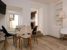 2 BEDROOM APARTMENT WITH A TERRACE IN PRINCIPE REAL, LISBON%9/11
