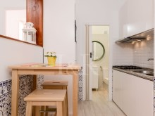 1 BEDROOM APARTMENT IDEAL FOR SHORT RENTAL IN SÃO BENTO, LISBON%3/9