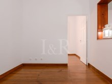 1 BEDROOM APARTMENT IDEAL FOR SHORT RENTAL IN SÃO BENTO, LISBON%5/9