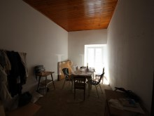 3 BEDROOM APARTMENT TO REHABILITATE WITH A TERRACE IN SÃO VICENTE, LISBON%4/6